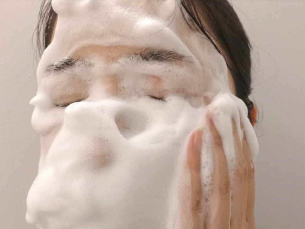 汚れを吸着 洗顔 泡 毛穴ケア